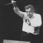 Jolivet a-t-il entendu des nuances aussi délicates que celles qu'il semble attendre de l'orchestre ?