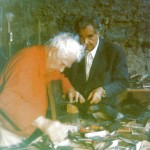 "In 1972, Alexandre Calder repairing the foot of his sculpture ""L'Oiseau"", one of the six pieces given by Varèse to Jolivet which inspired him to compose Mana."