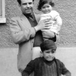 In Malesherbes with his daughter Christine in his arms and his son Pierre-Alain (1942).